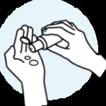 Ausreichend Produkt auf die Handfläche geben.